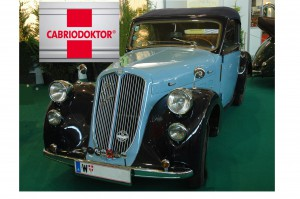 Im Bild übrigens ein echter Klassiker aus Österreich: Der Steyr 120 Super von 1936 mit seinem phantastischen Sechszylinder-Motor.